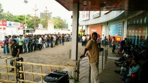 Long Queues for JIO SIMs